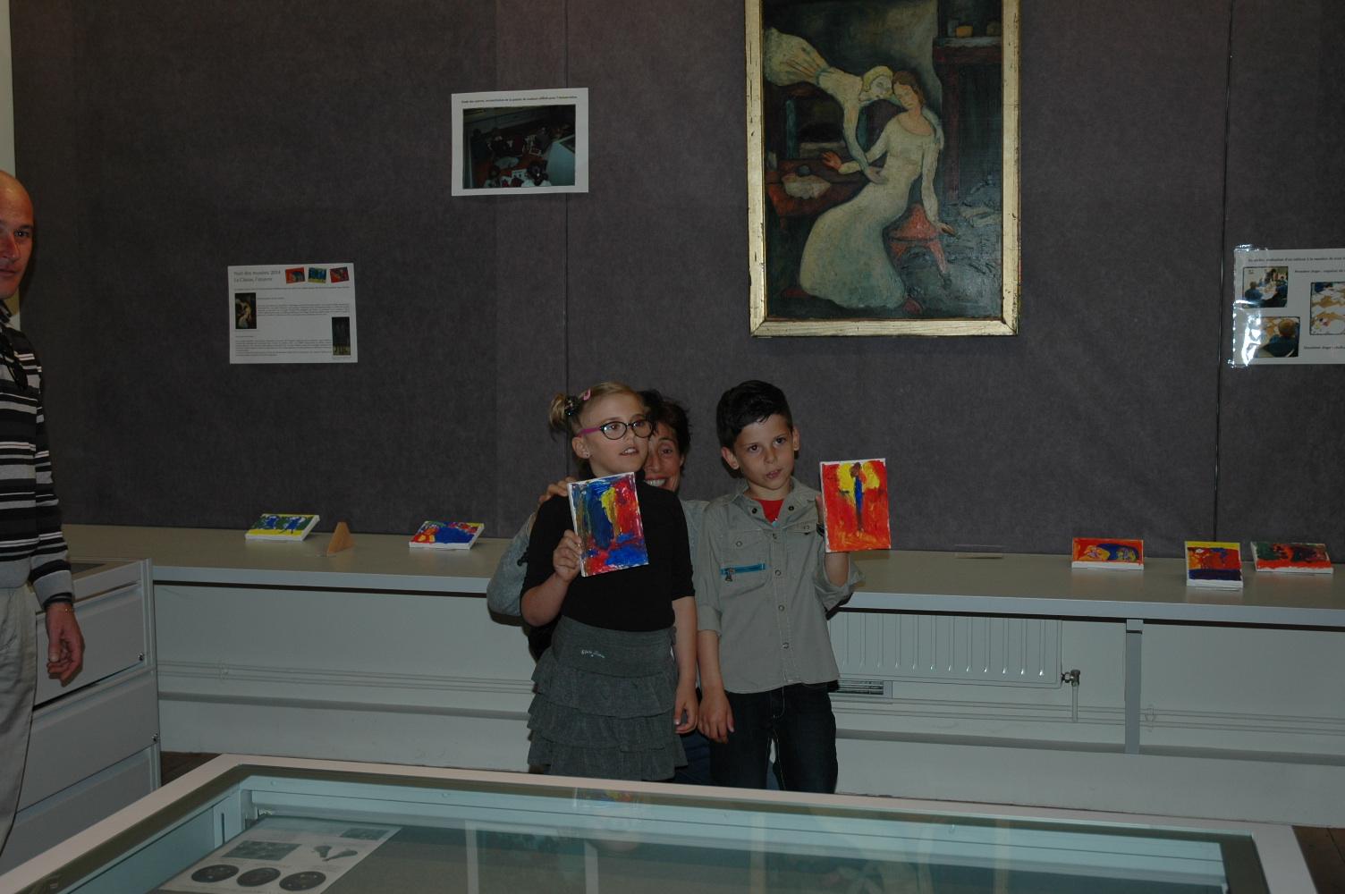 Ilona et Gustavo avec leur oeuvre