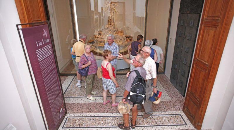 Visites d'été : Paray-le-Monial et musée du Hiéron